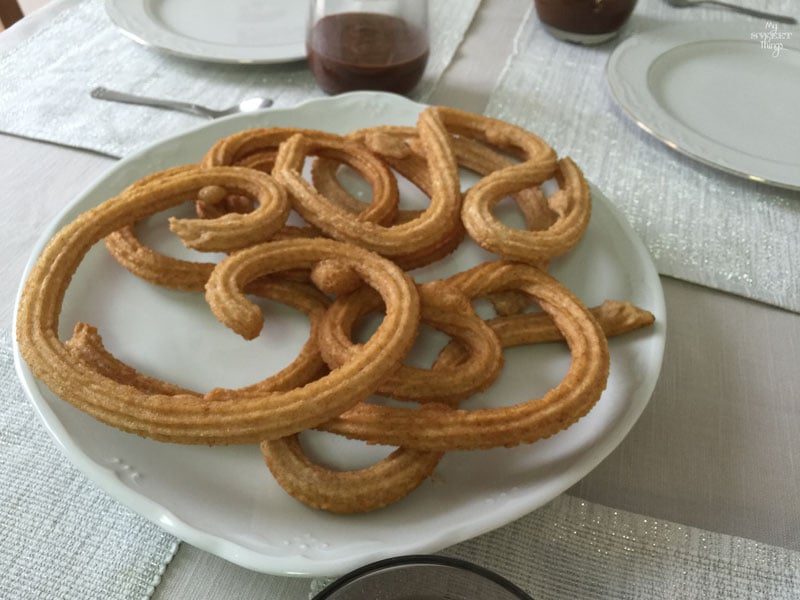 How to make healthy churros with chocolate with no added refined sugar