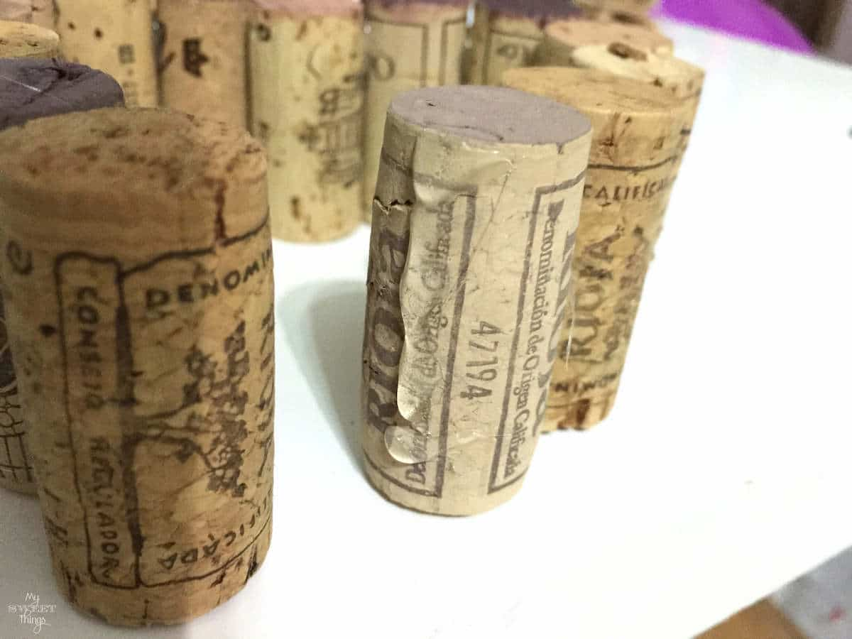 How to make a heart out of wine corks