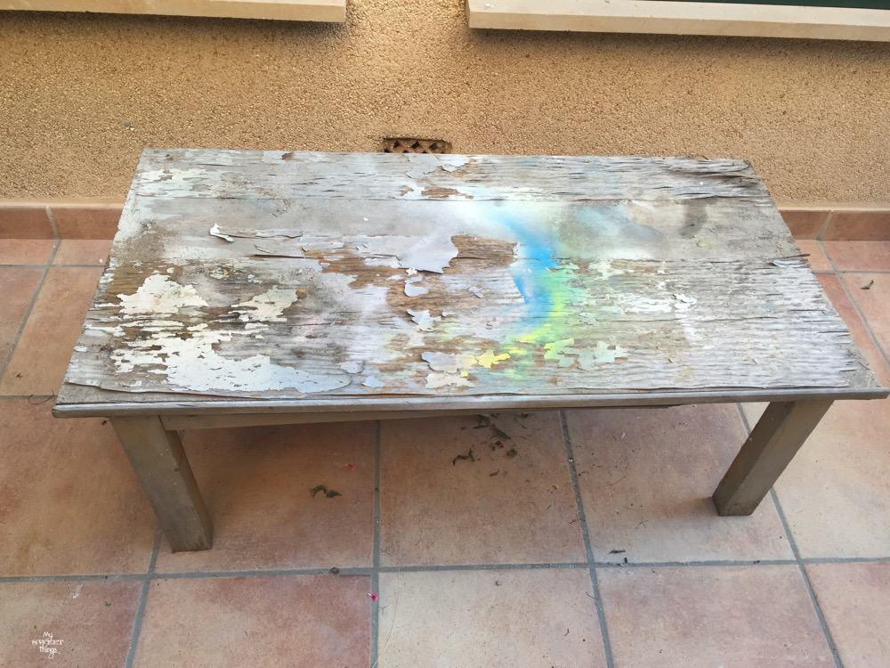 How to make a colorful wood slat table the easy way with some wood and paint - The before picture