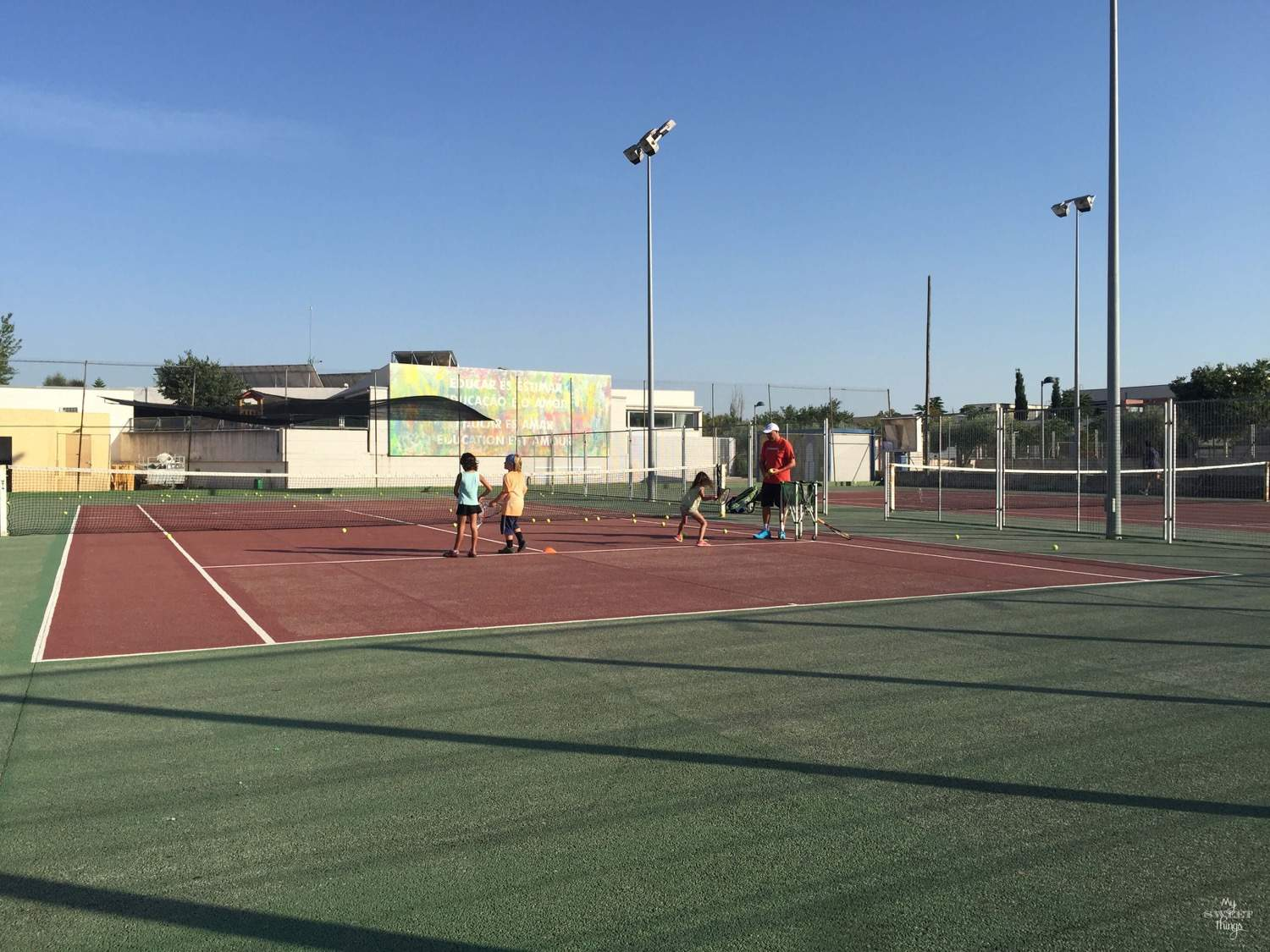 What to do in summer in Mallorca - Playing tennis