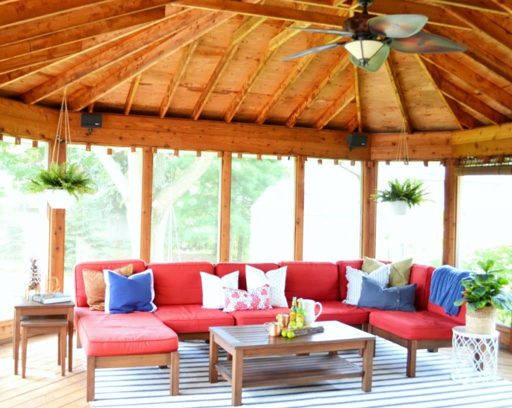 Screened-In-Porch-Full-Room-Reveal