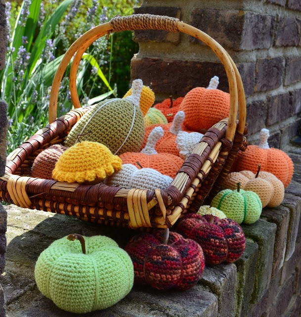 crochet-pumpkins