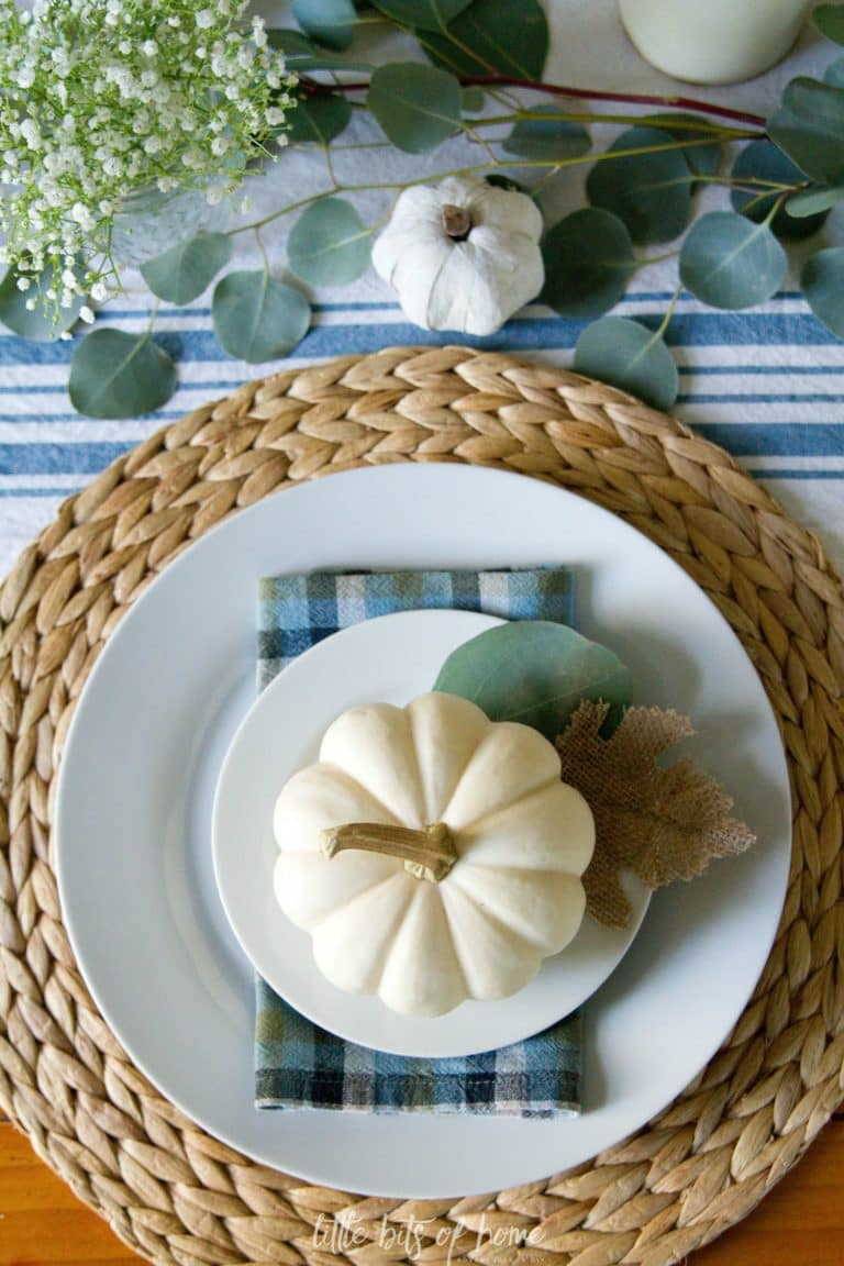 fall-tablescape-white-pumpkin