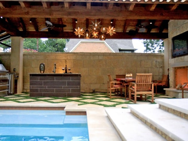 Trending Outdoor Kitchens For The Ultimate Summer Party Experience
