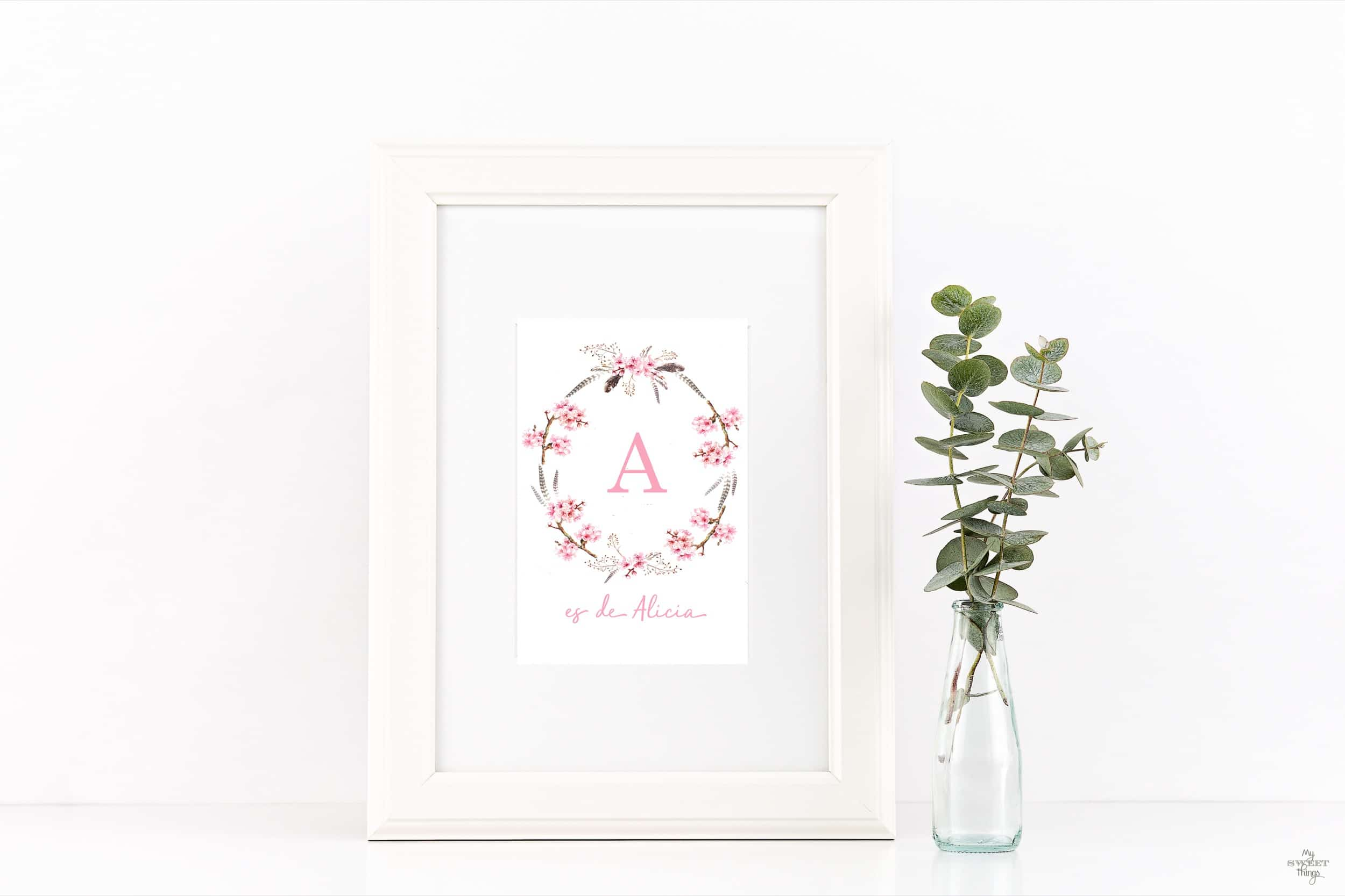 Cómo decorar de forma original la habitación de tu bebé · Complementos y decoración · Monograma con inicial y nombre · Via www.sweethings.net