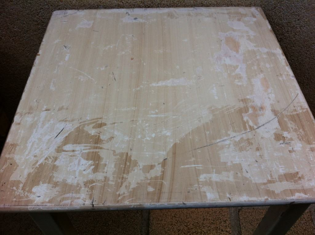 How to transform a dining table into a chalkboard table    |     Stripping
