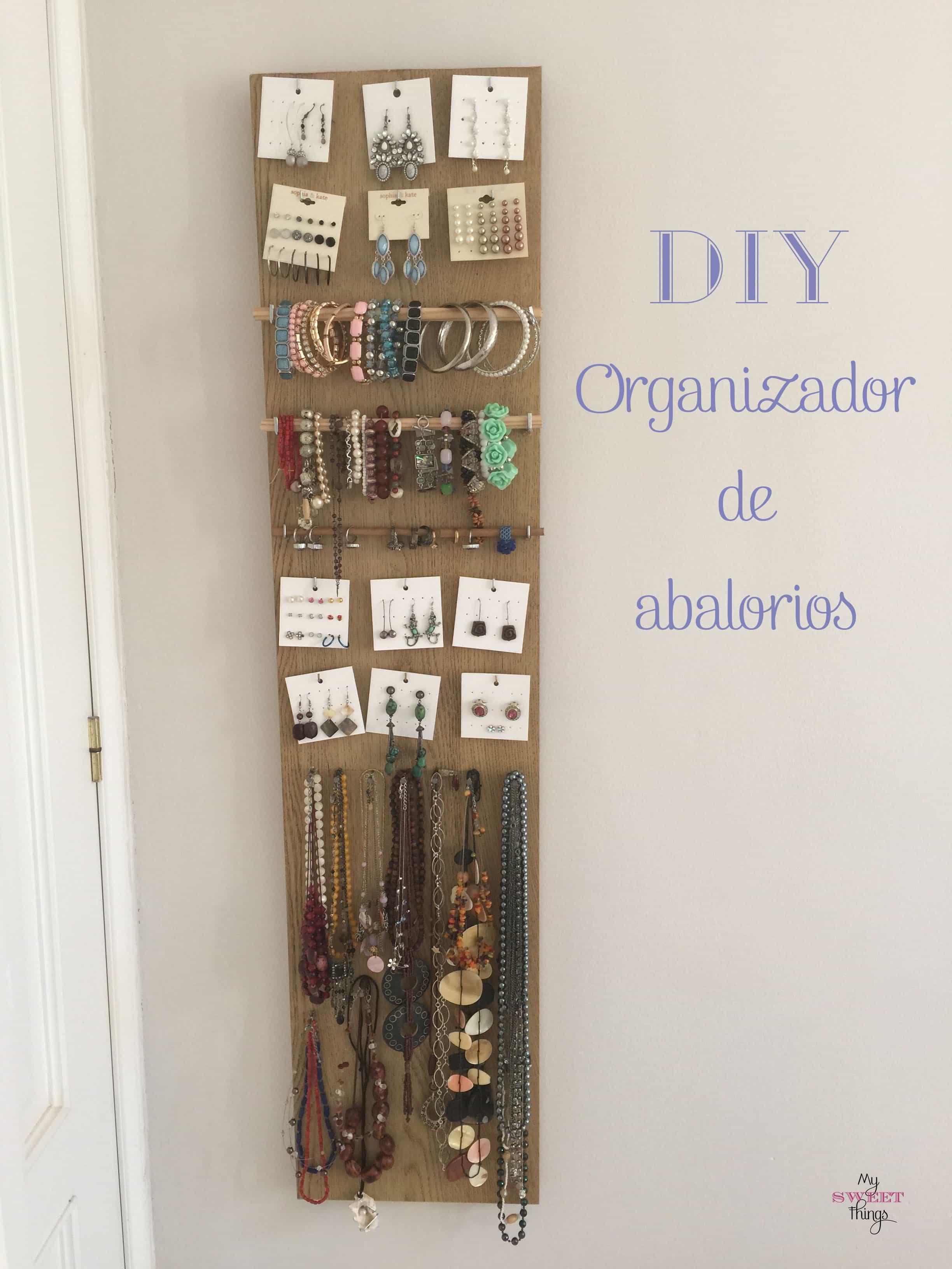 Complicación de proyectos del 2015 | Organizador de abalorios DIY | Via www.sweethings.net