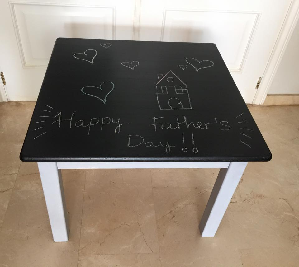 How to transform a dining table into a chalkboard table