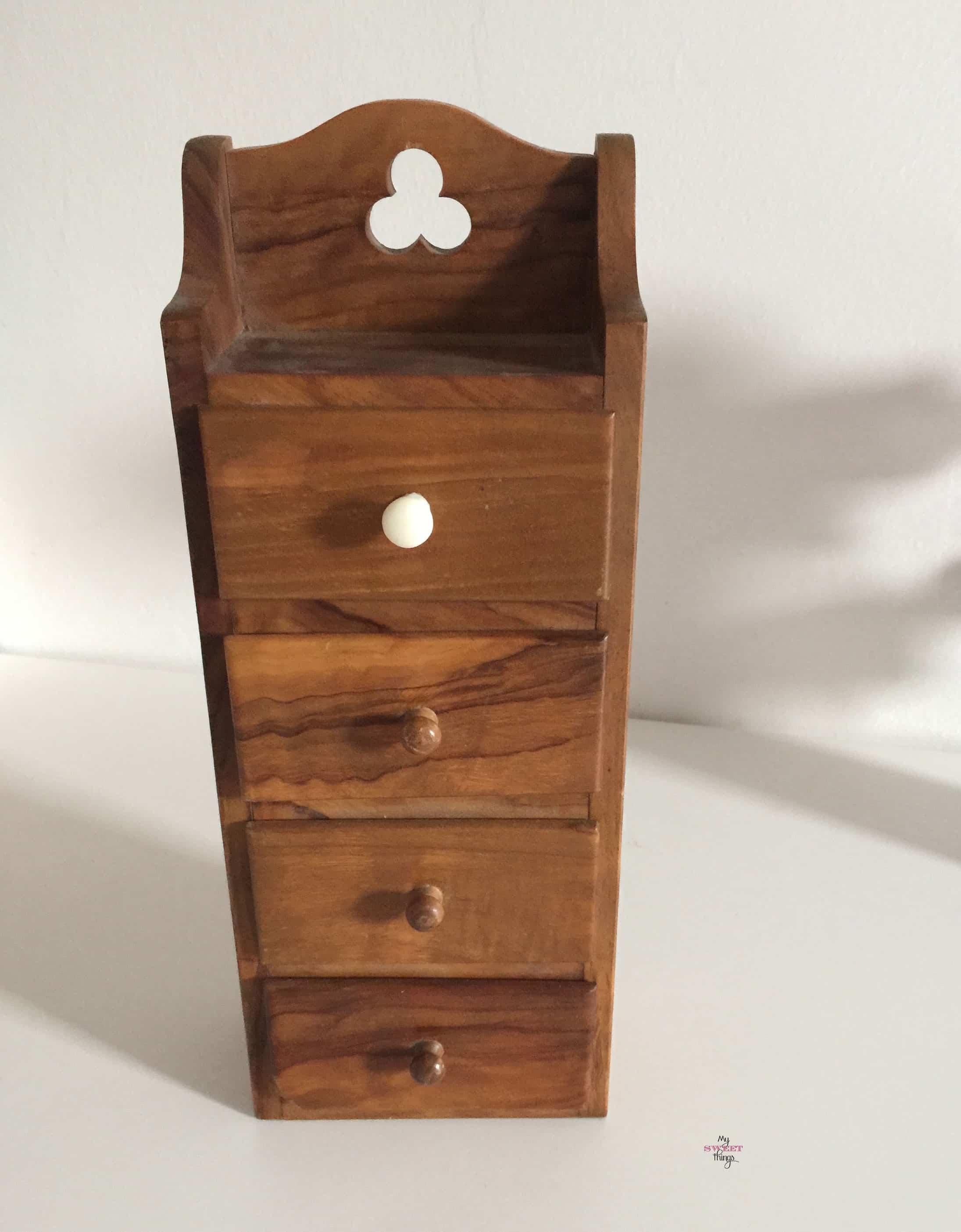 Shabby Wooden Jewelry Storage
