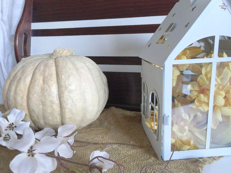 Our Fall Vignette | www.sweethings.net