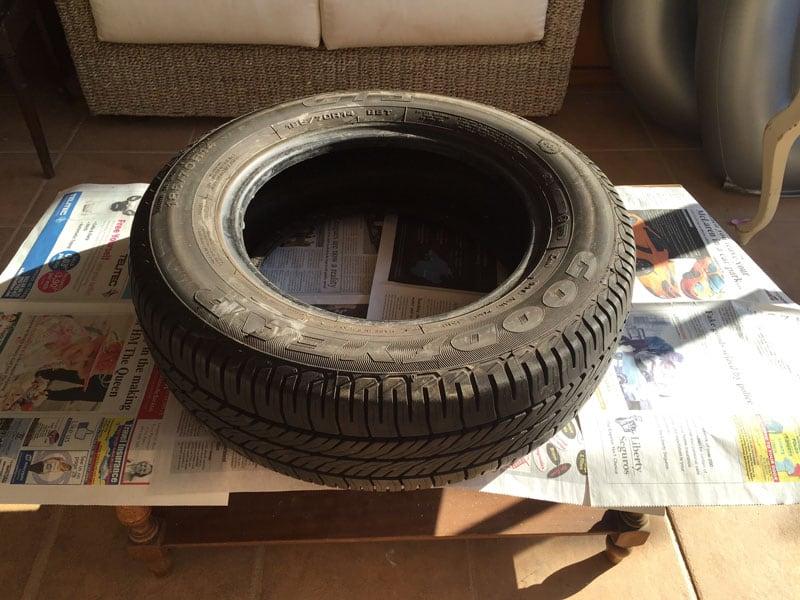 DIY Jardinera Minion con neumáticos y pintura en spray  ·  My Sweet Things