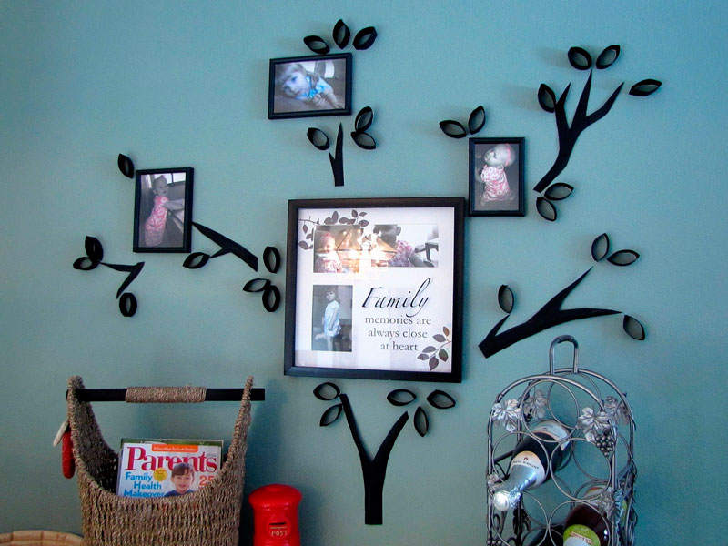 Family tree with toilet paper rolls | Reuse & recycle | DIY and family pictures | Via www.seethings.net