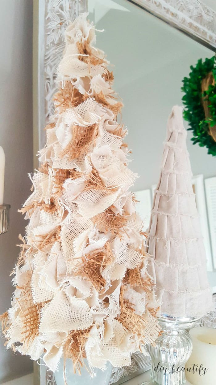 How To Decorate A Christmas Tree With Burlap Ribbon