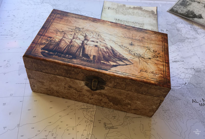 DIY nautical box for a sea lover using some decoupage or white glue, it makes a great handmade gift | Via www.sweethings.net