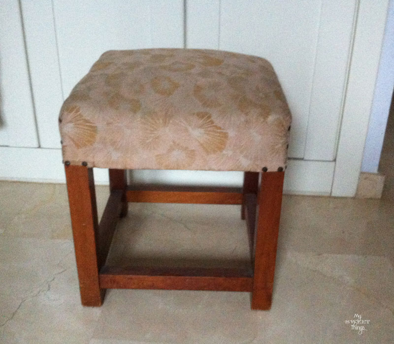 How to redo an old fashioned stool with some fake grain sack fabric | Via www.sweethings.net