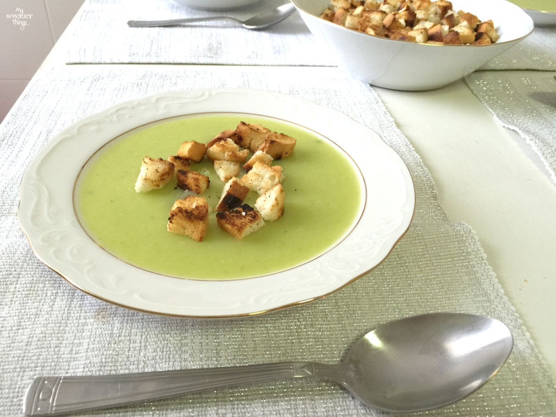 Cómo hacer una crema de calabacín rica y saludable   |    Via www.sweethings.net
