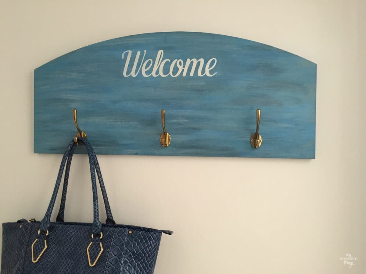 How to make a DIY wall hanger using scrap wood with a beachy feel | www.sweethings.net