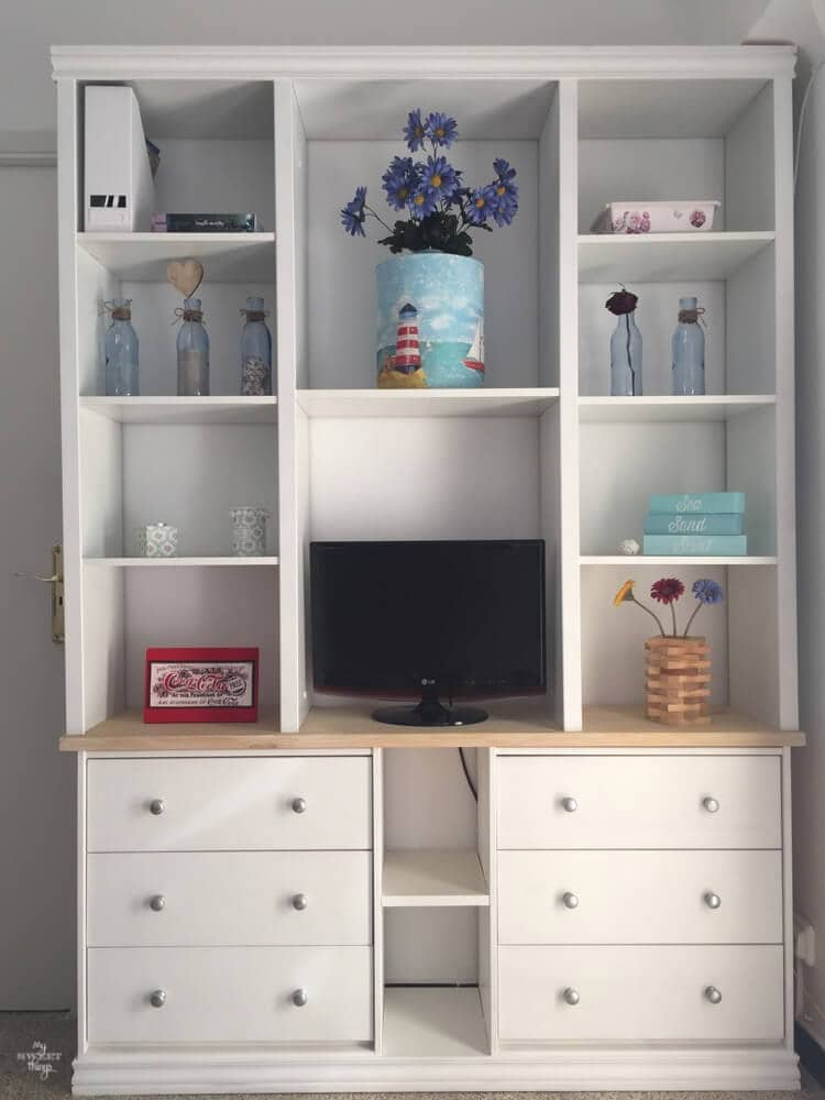 Decorating homes - Built-ins with Ikea Rast - Via www.sweethings.net