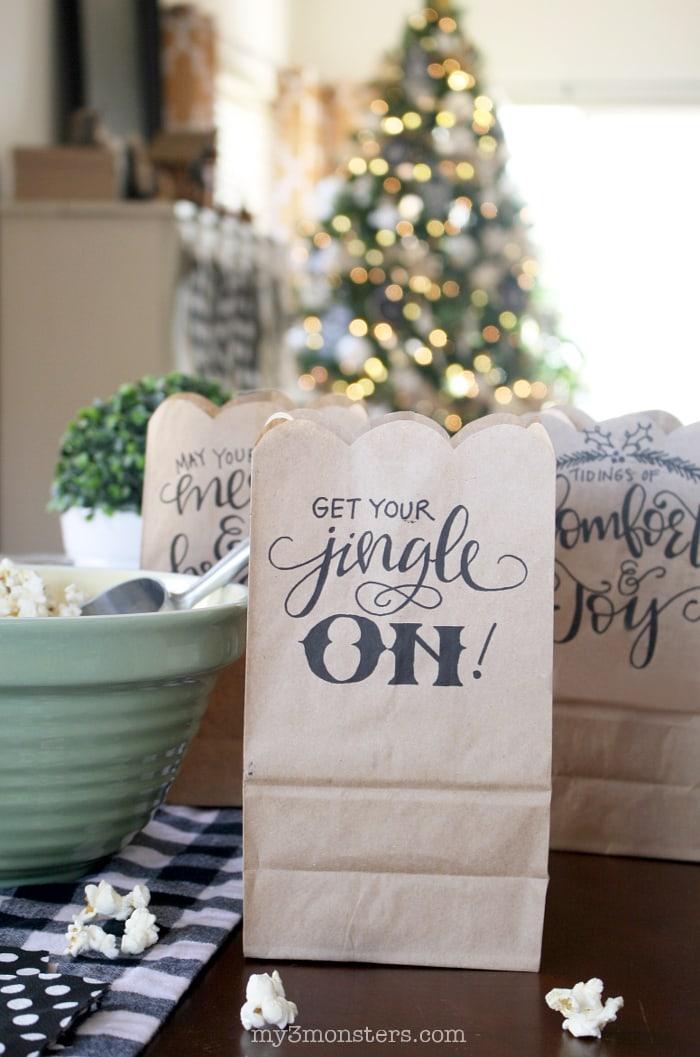 hand-lettered-christmas-printable-bags