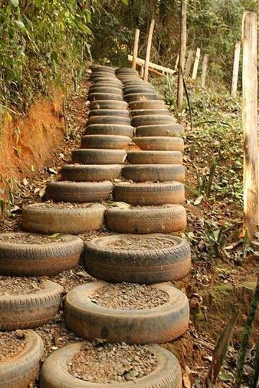 Staircase · 15 Different Uses For Tires · Some easy ideas to recycle old tires · Via www.sweethings.net