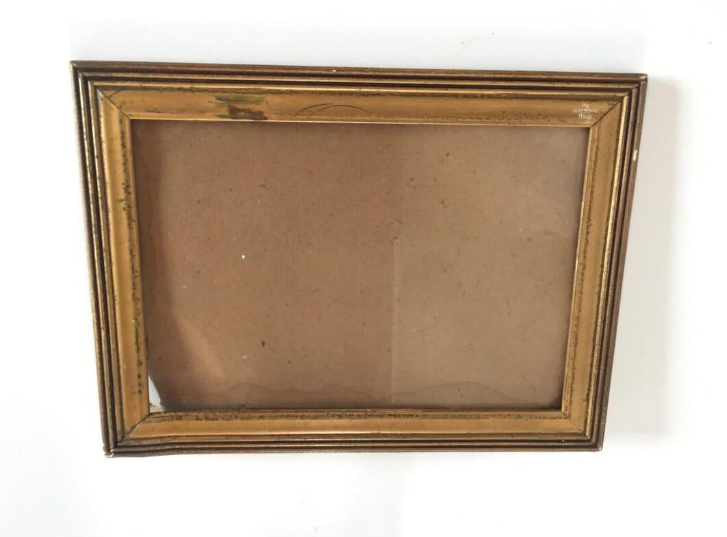 Como hacer una pequeña bandeja a partir de un marco de fotos · Via www.sweethings.net