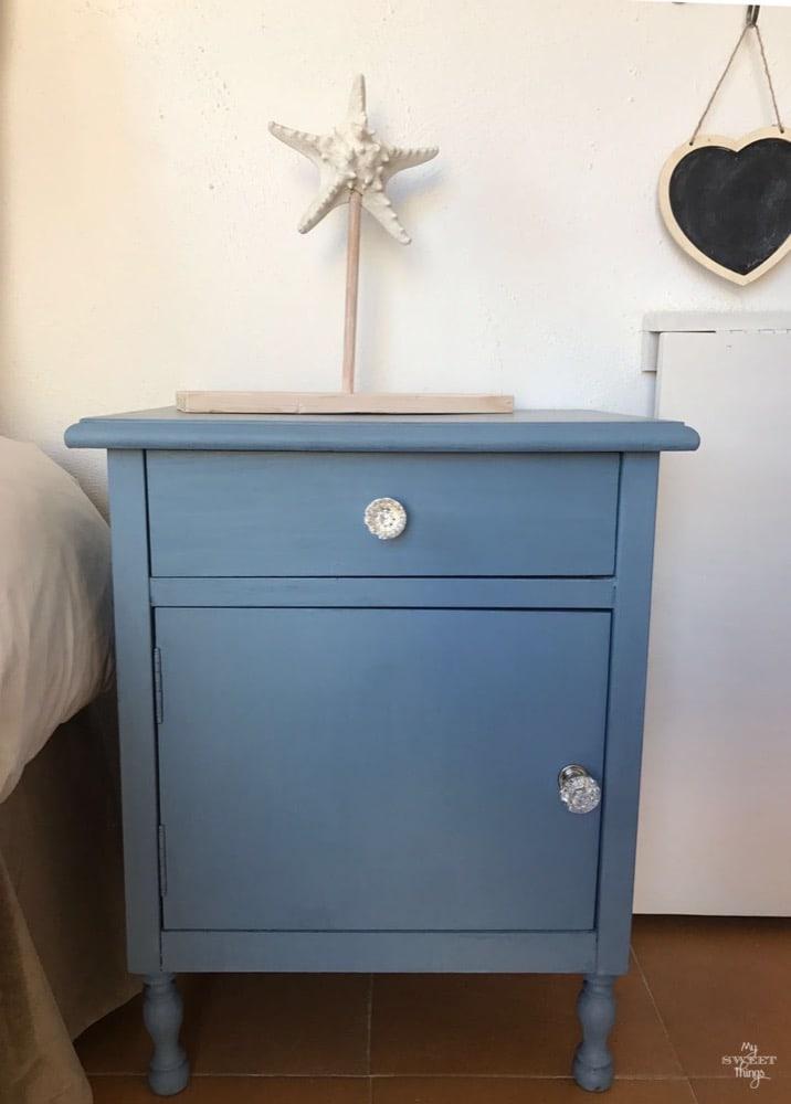 Mueble pintado y transformado con pintura de leche · Materiales para manualidades y DIY · Vía www.sweethings.net