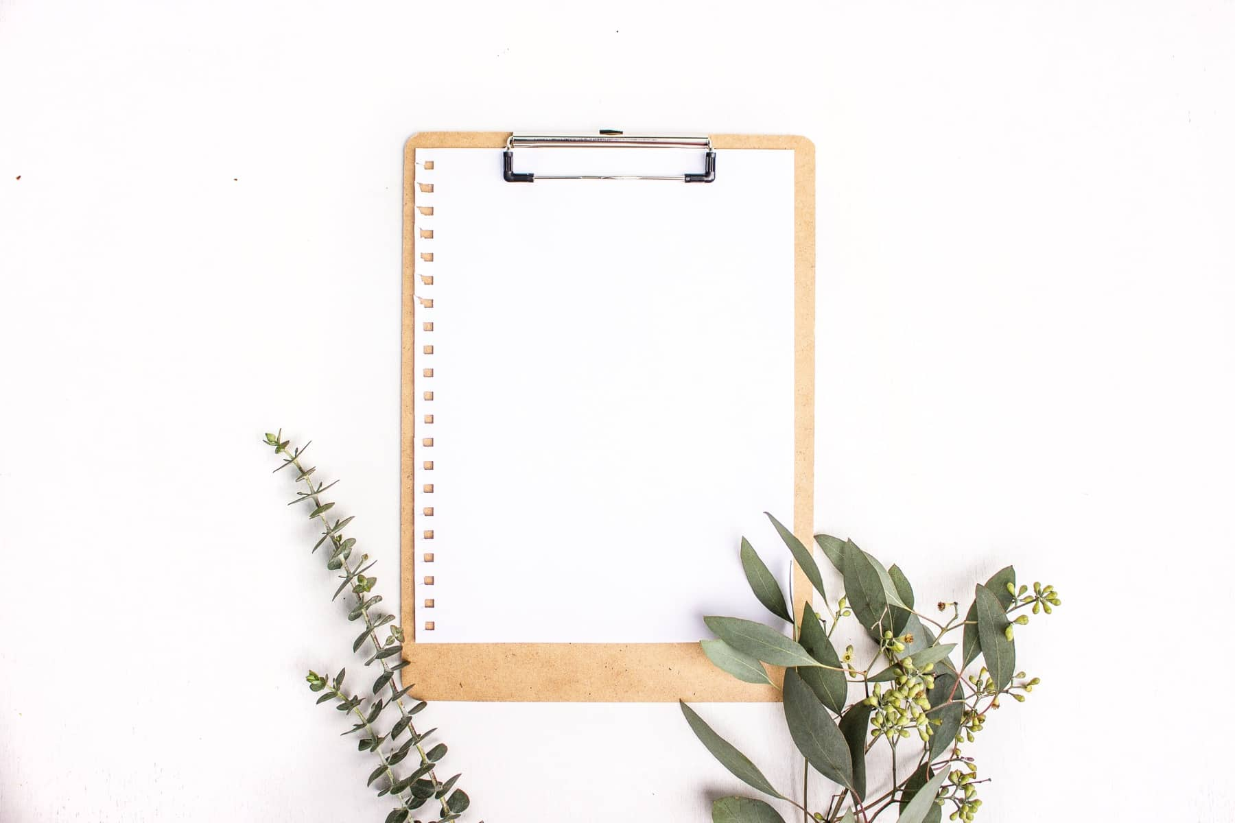 Styling flat lay photographs for blog and home decor · Via www.sweethings.net