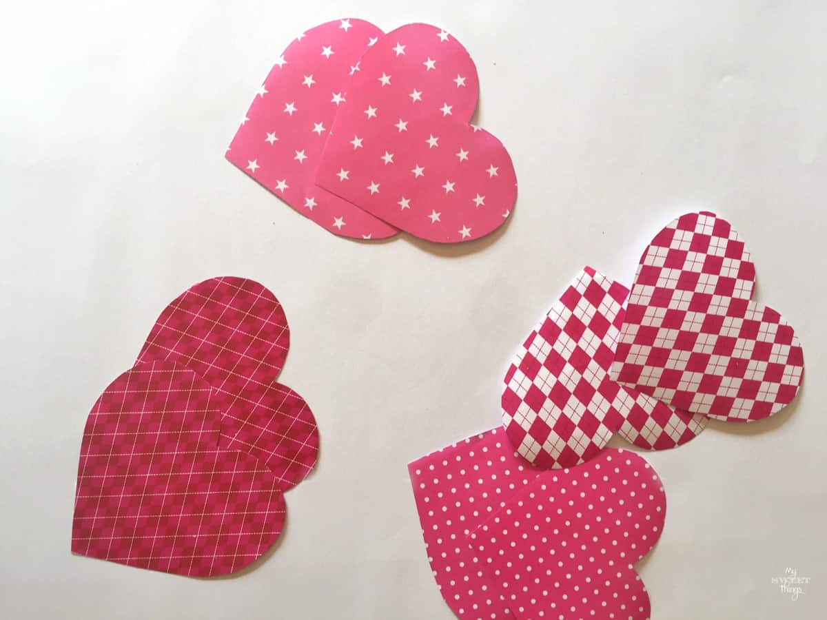 Handmade Valentine Gift - How to Make a Paper Heart Pouch - Heart shape pattern via www.sweethings.net