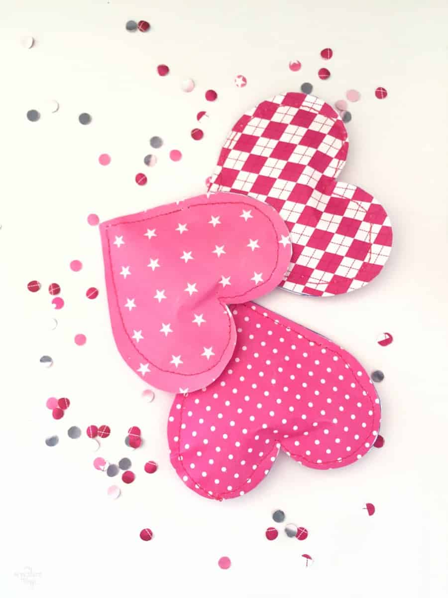 Handmade Valentine Gift - How to Make a Paper Heart Pouch via www.sweethings.net
