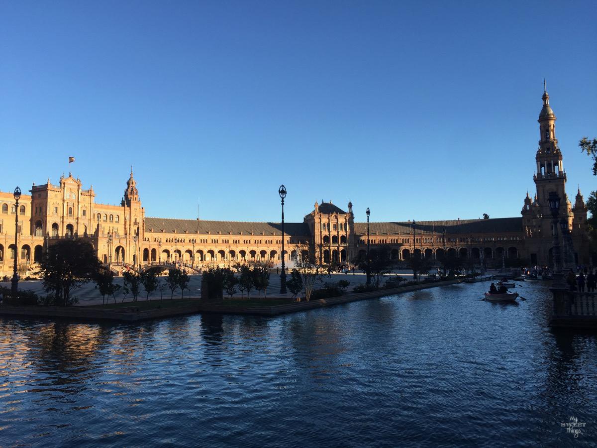 Viaje a Andalucía · Paseo en barca Plaza de España, Sevilla · Via www.sweethings.net