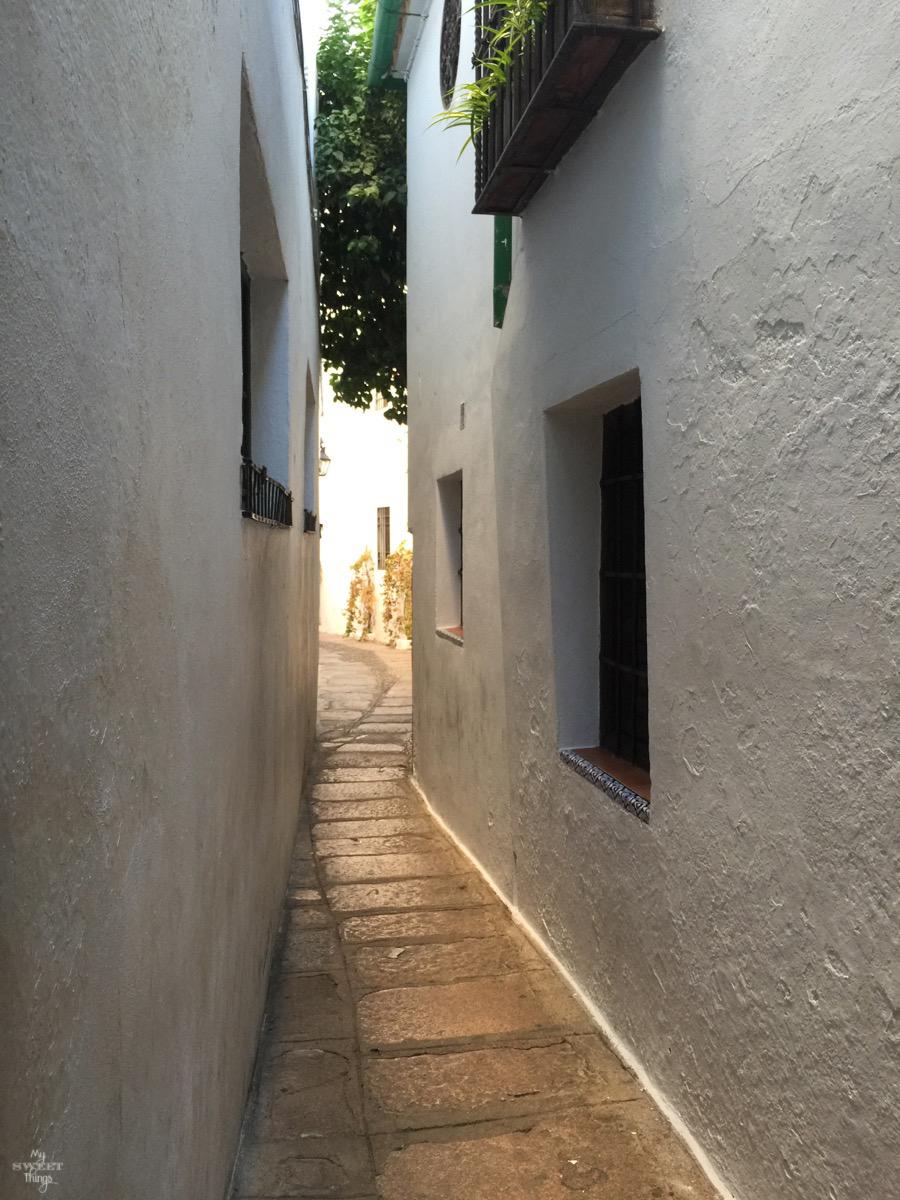 Viaje a Andalucía · Calleja del Pañuelo en Córdoba · Via www.sweethings.net