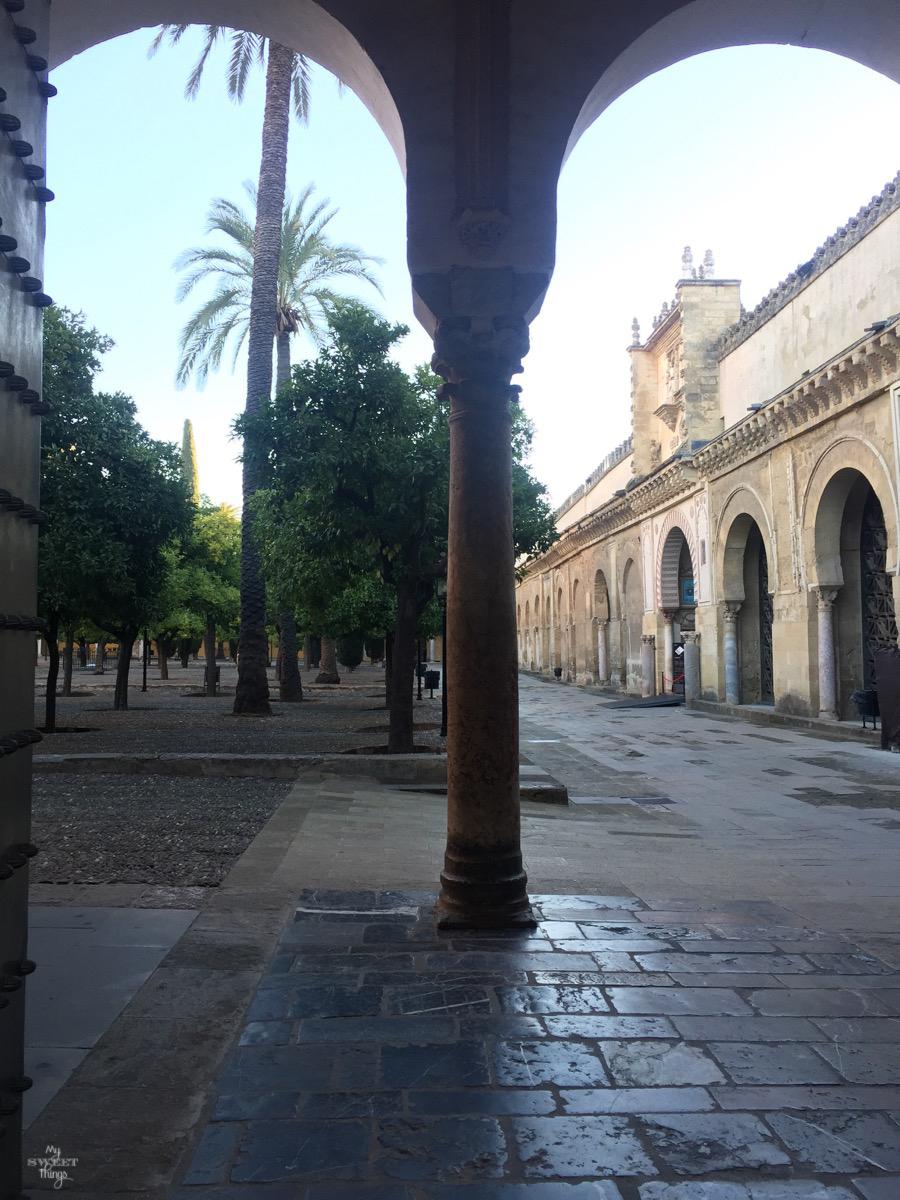 Viaje a Andalucía · Patio de los Naranjos Mezquita de Córdoba · Via www.sweethings.net