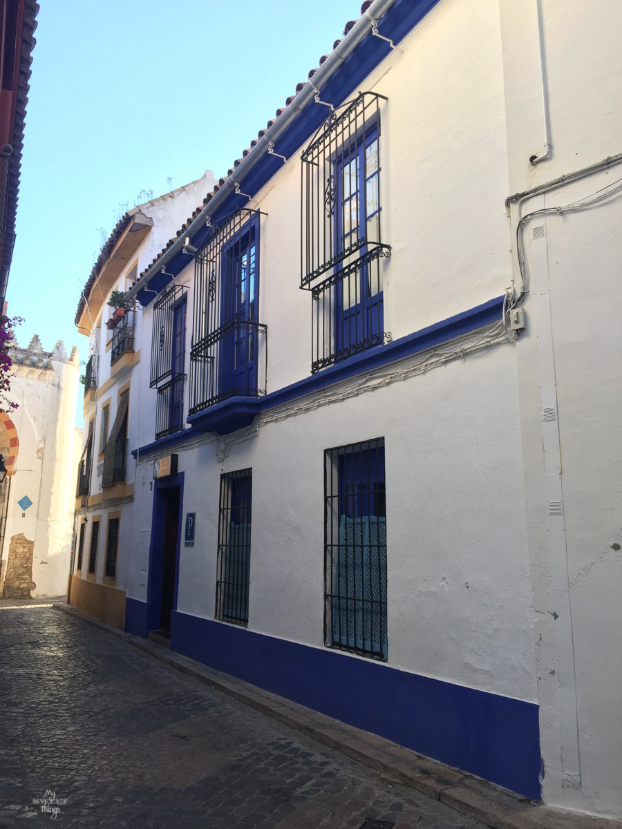 Viaje a Andalucía · Casas color añil en Córdoba · Via www.sweethings.net