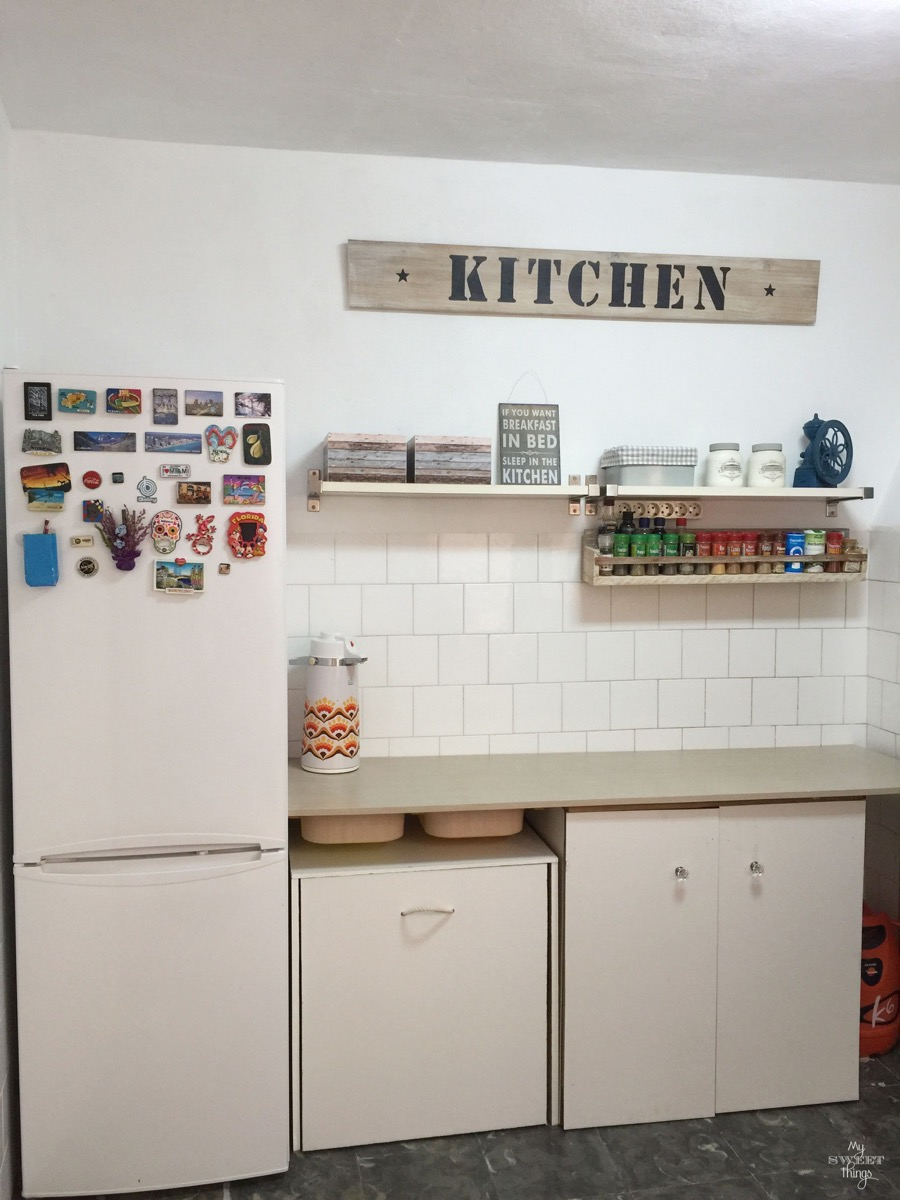 Diy kitchen makeover budget 37 brilliant diy kitchen makeover ideas diy kitchen makeover on a budget by my sweet things solutioingenieria Gallery