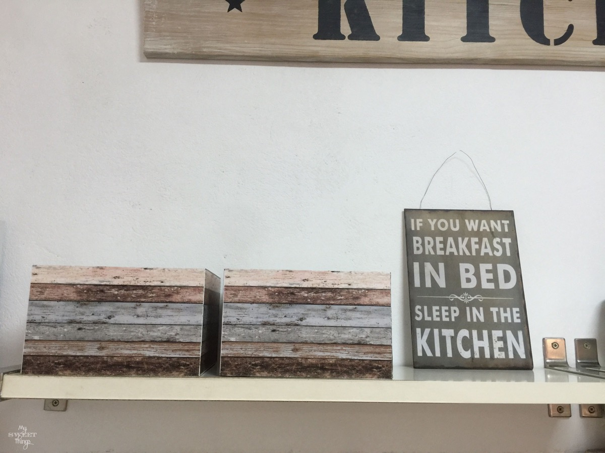 DIY Kitchen makeover on a budget | #kitchen #makeover #remodel #farmhouse #diy #homedecor #sign | Via www.sweethings.net