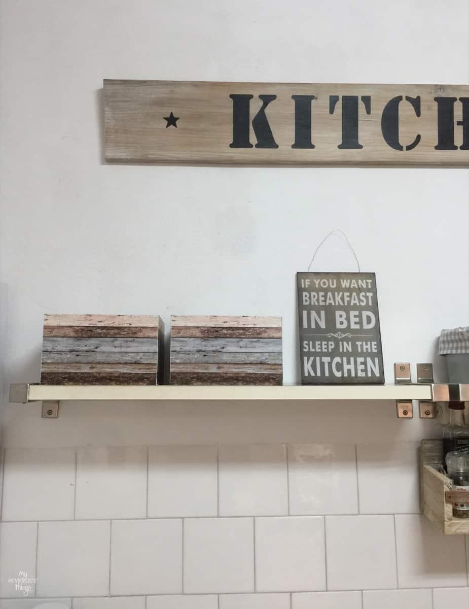 DIY Kitchen renovation · Via www.sweethings.net · Kitchen makeover