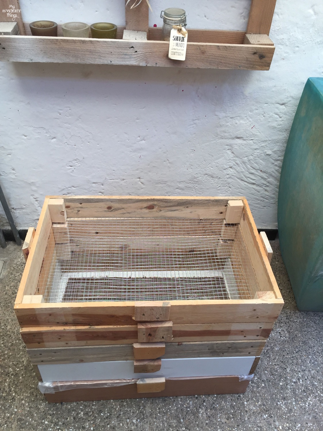 DIY Worm Compost Bin by Sweethings