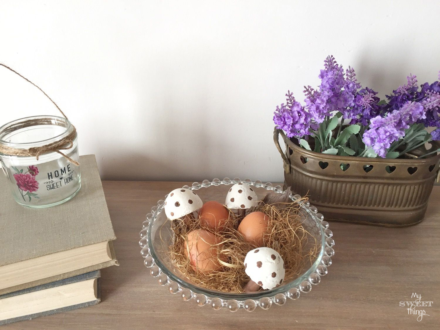 DIY Cement Mushrooms · Easter vignette · Via www.sweethings.net