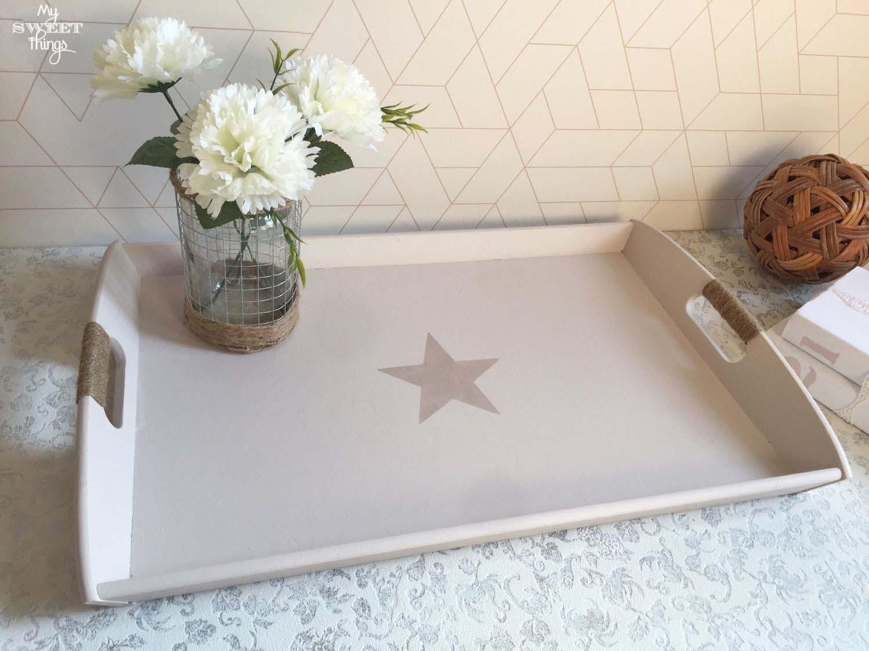 Rustic wooden tray · Farmhouse tray · Via www.sweethings.net