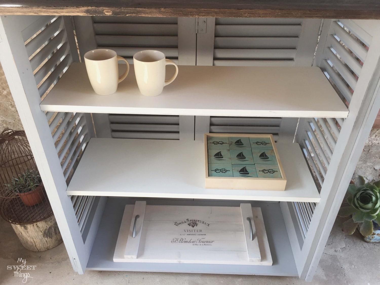 Persianas de madera recuperadas y madera de palet convertidos en mueble de exterior · Via www.sweethings.net