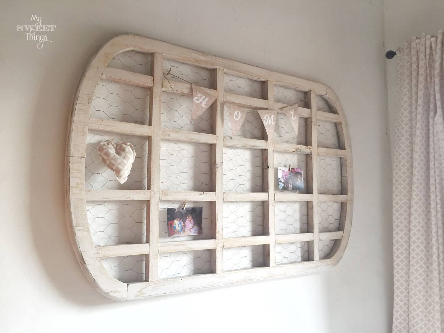 Upcycled Table Into Wooden Wall Display · Via www.sweethings.net
